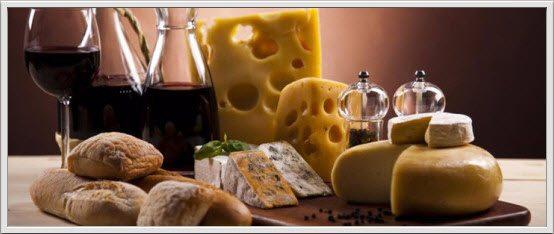 Slik velger du riktig rødvin til ost